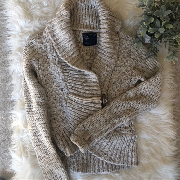 American Eagle Outfitters Sweaters - Sweater Cardigan